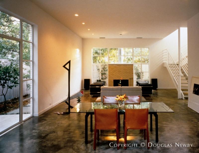 Turtle Creek Corridor Contemporary Real Estate on 0.22 Acres