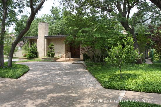 3428 Street Johns Drive, Dallas, Texas 75205