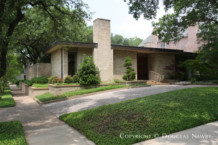 Texas Modern House Designed by Architect Scott Lyons - 3428 Saint Johns Drive