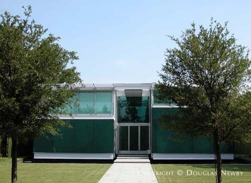 Residence Designed by Architect Robert Neylan - Translucens House