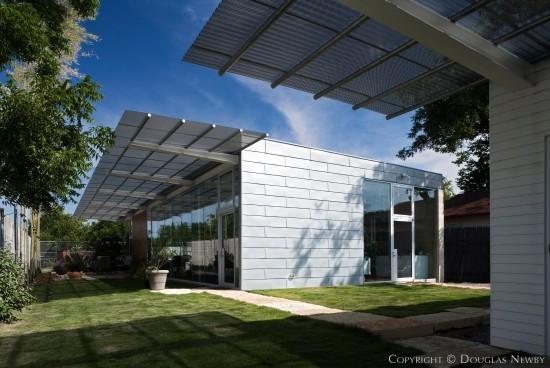 Ron Wommack Designed Modern Real Estate