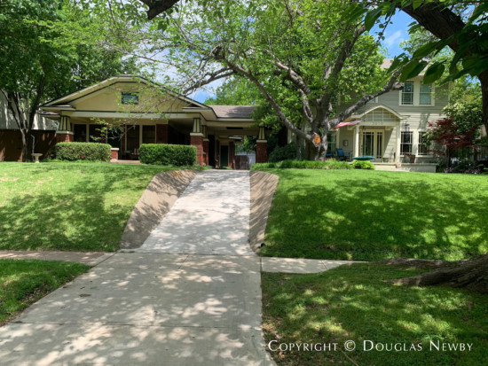Craftsman Real Estate in East Dallas - 5811 Goliad Avenue