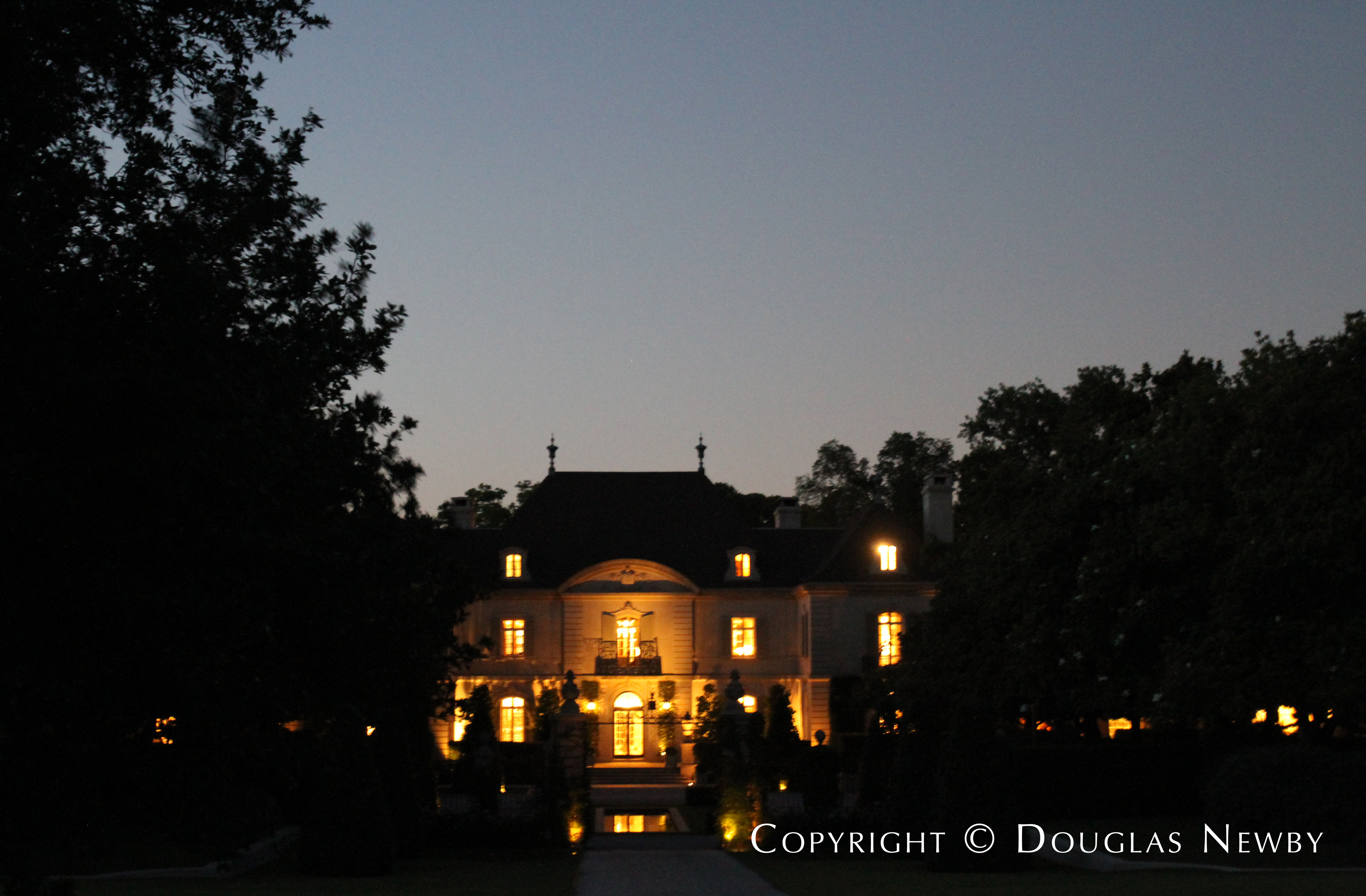 The Crespi Hicks Estate in the Late Evening