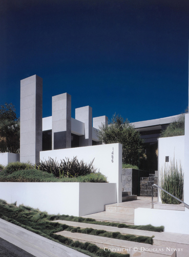 David olsen interior designer mil bodron designed for Modern homes hollywood hills