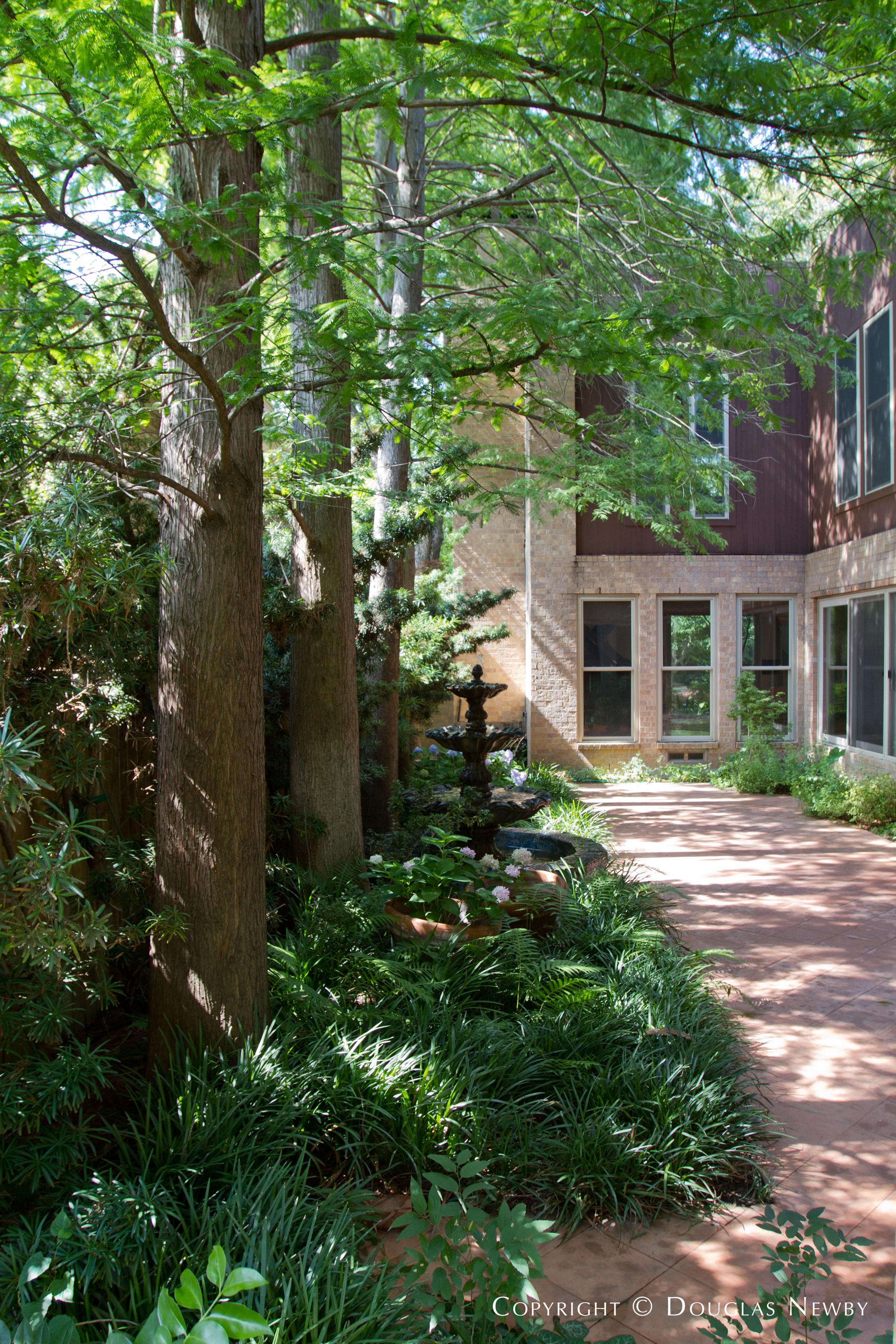 Contemporary Highland Park Neighborhood Home