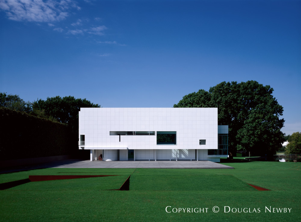 Modern Home Designed by Architect Richard Meier