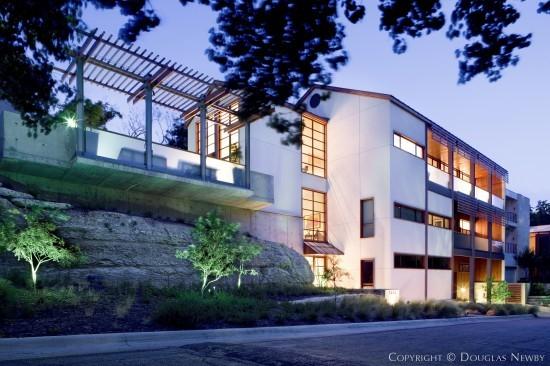 Modern home at 3822 turtle creek drive dallas texas for Modern home builders dallas