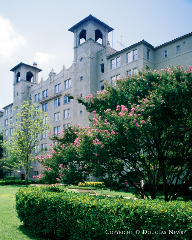 Cedar Terrace Apartments: Sir Alfred Bossom, Architect, Designed A Lakewood Estate