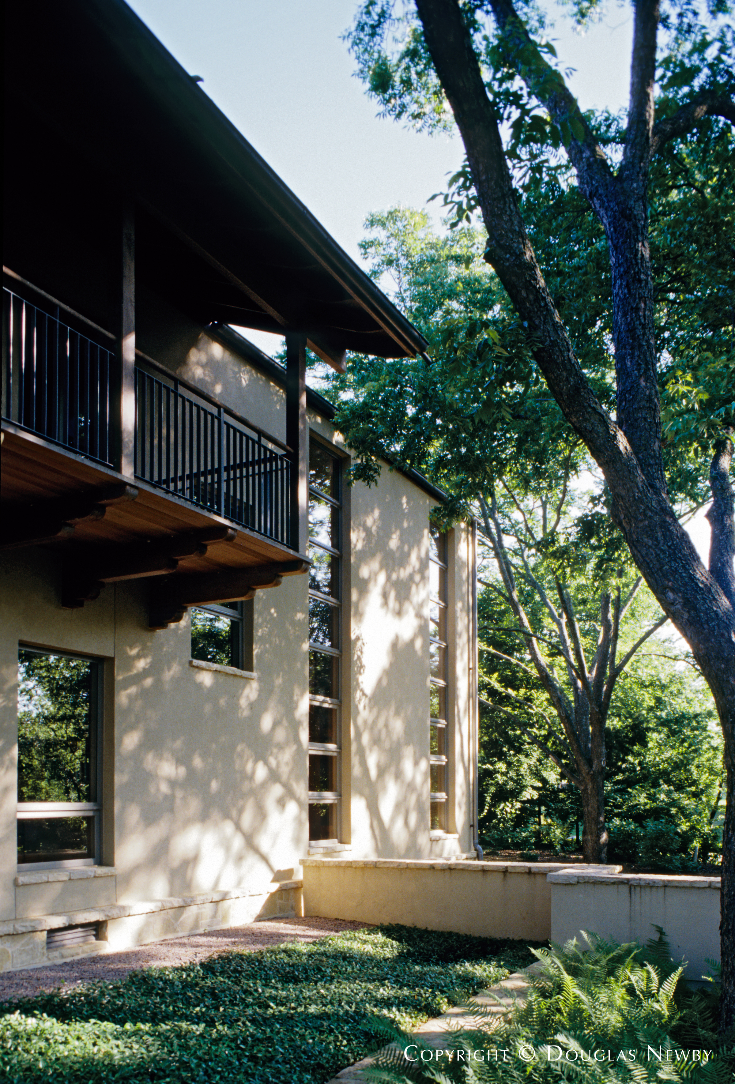 Frank Welch Texas Modern Designed Home in West Lawther Drive
