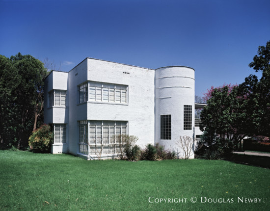 Art Moderne Home Designed by Architect Charles S. Dilbeck - 6843 Lorna Lane