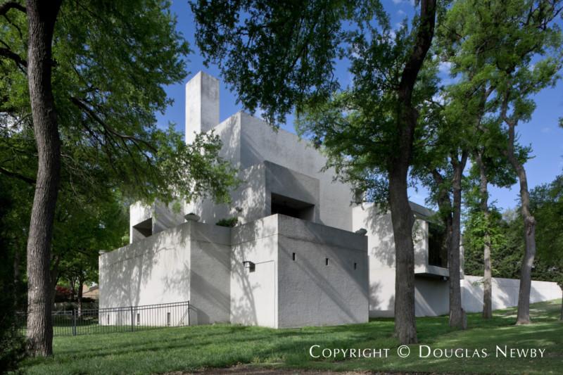 Frank Welch Designed Modern Home
