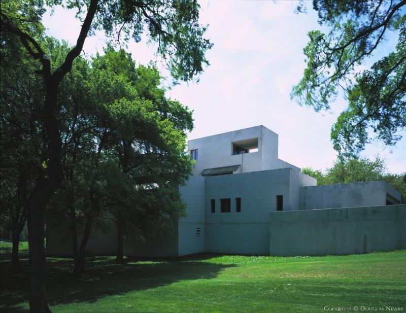 Modern Bent Tree Real Estate