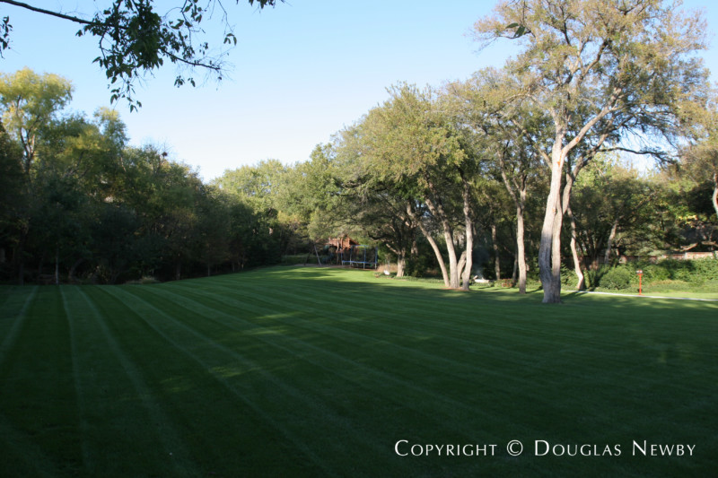 Bluffview Area Home sitting on 2.37 Acres