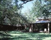 Texas Modern Home Designed by Architect Scott Lyons - 4701 Drexel Drive