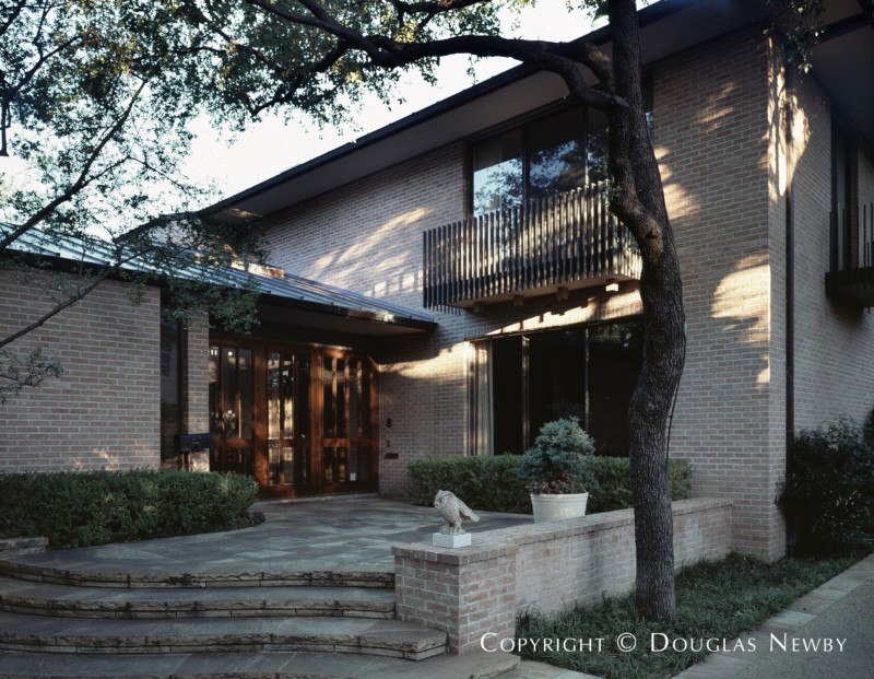 Scott Lyons Designed Texas Modern Home