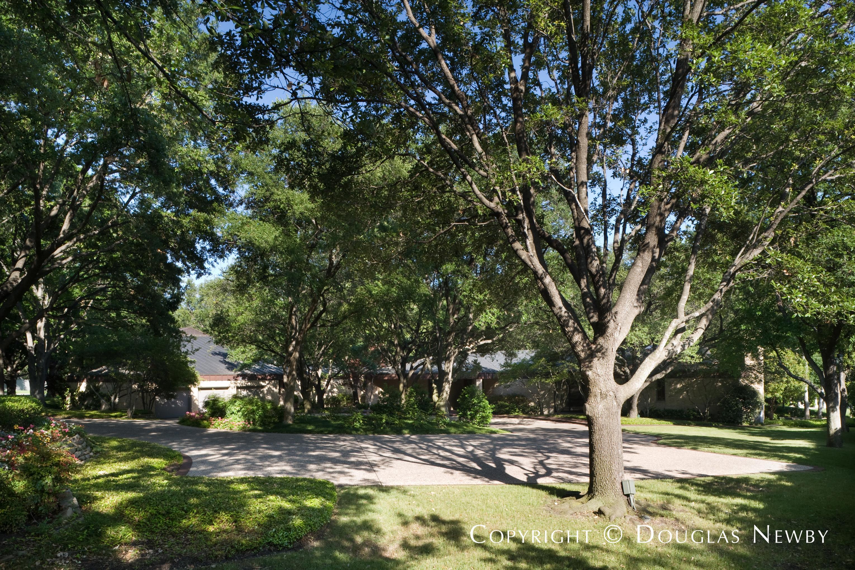 Scott Lyons Texas Modern Designed Home in Mayflower Estates