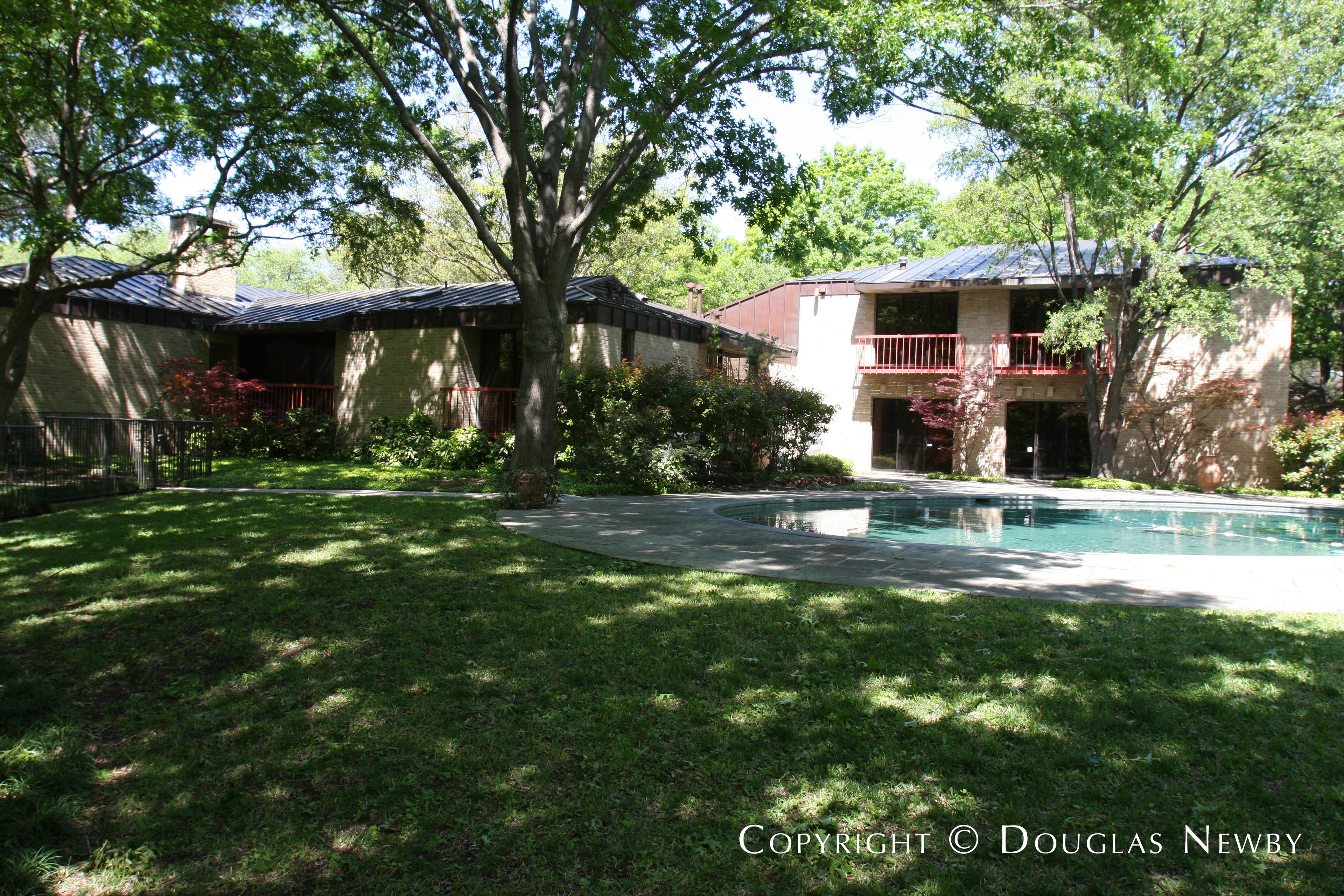 Architect Scott Lyons Designed Texas Modern Home