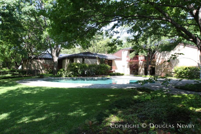 Texas Modern Mayflower Estates Neighborhood Home