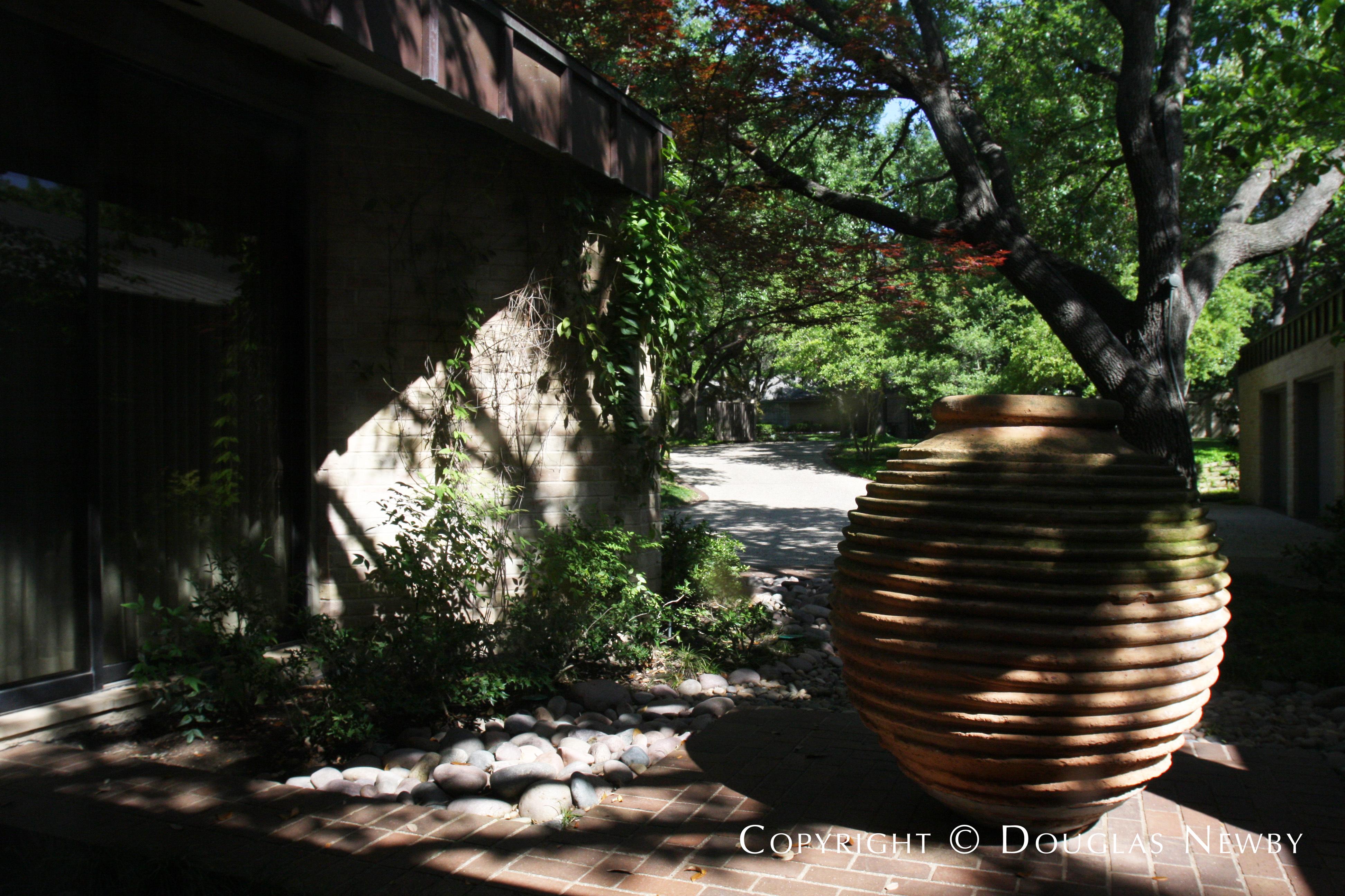 Texas Modern Home in Mayflower Estates