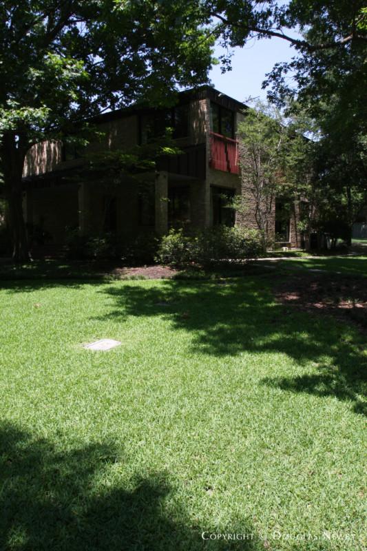 Preston Hollow Modern Real Estate on 2.632 Acres