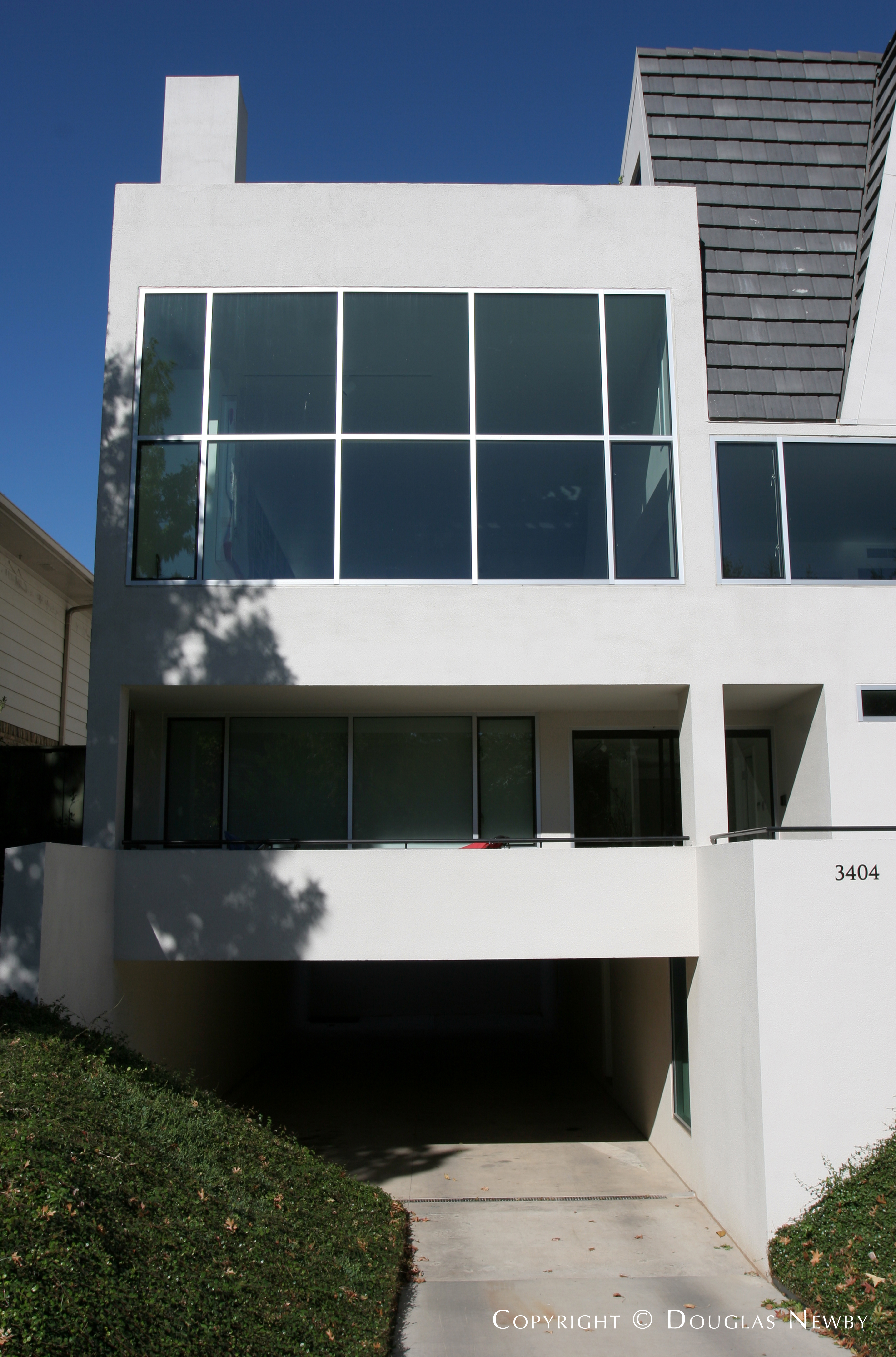 Modern Fourth Section of Old Highland Park Neighborhood Home