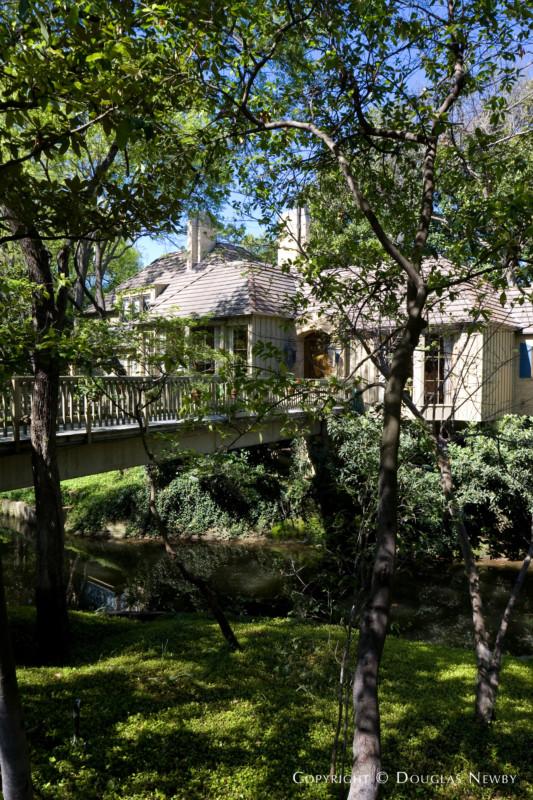 Real Estate in Mayflower Estates