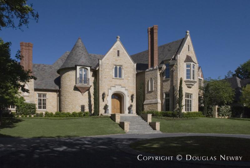 Architect Larry Boerder Designed Home in Preston Hollow