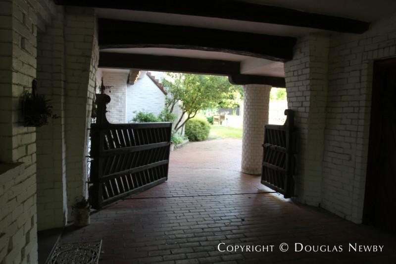 3819 McFarlin Boulevard, Dallas, Texas 75205