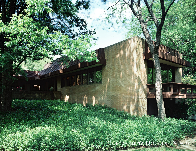 Mid-Century Modern Sunnybrook Estates Neighborhood Home