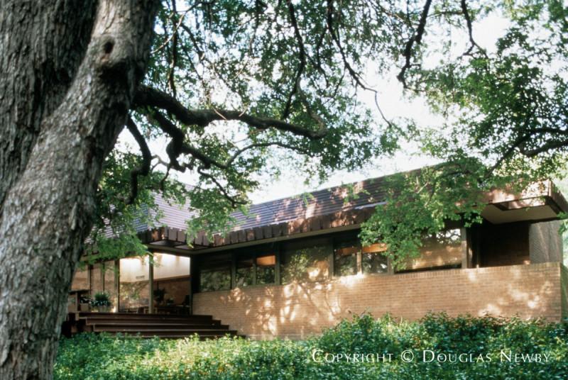 Harwell Hamilton Harris Designed Home in Sunnybrook Estates