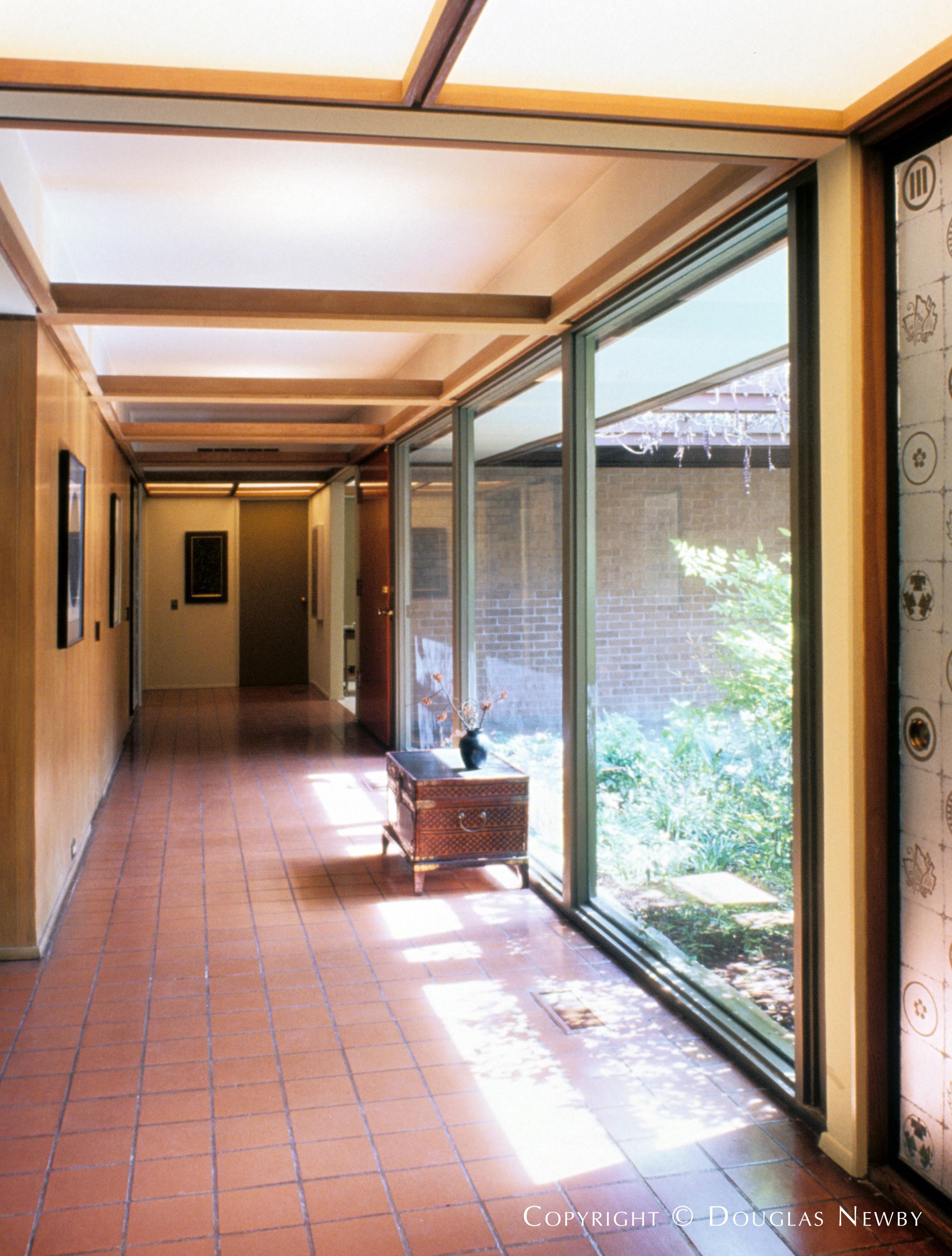 Mid-Century Modern Home in Sunnybrook Estates