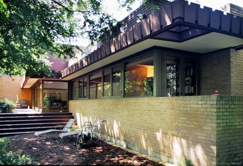 Mid-Century Modern Preston Hollow Real Estate