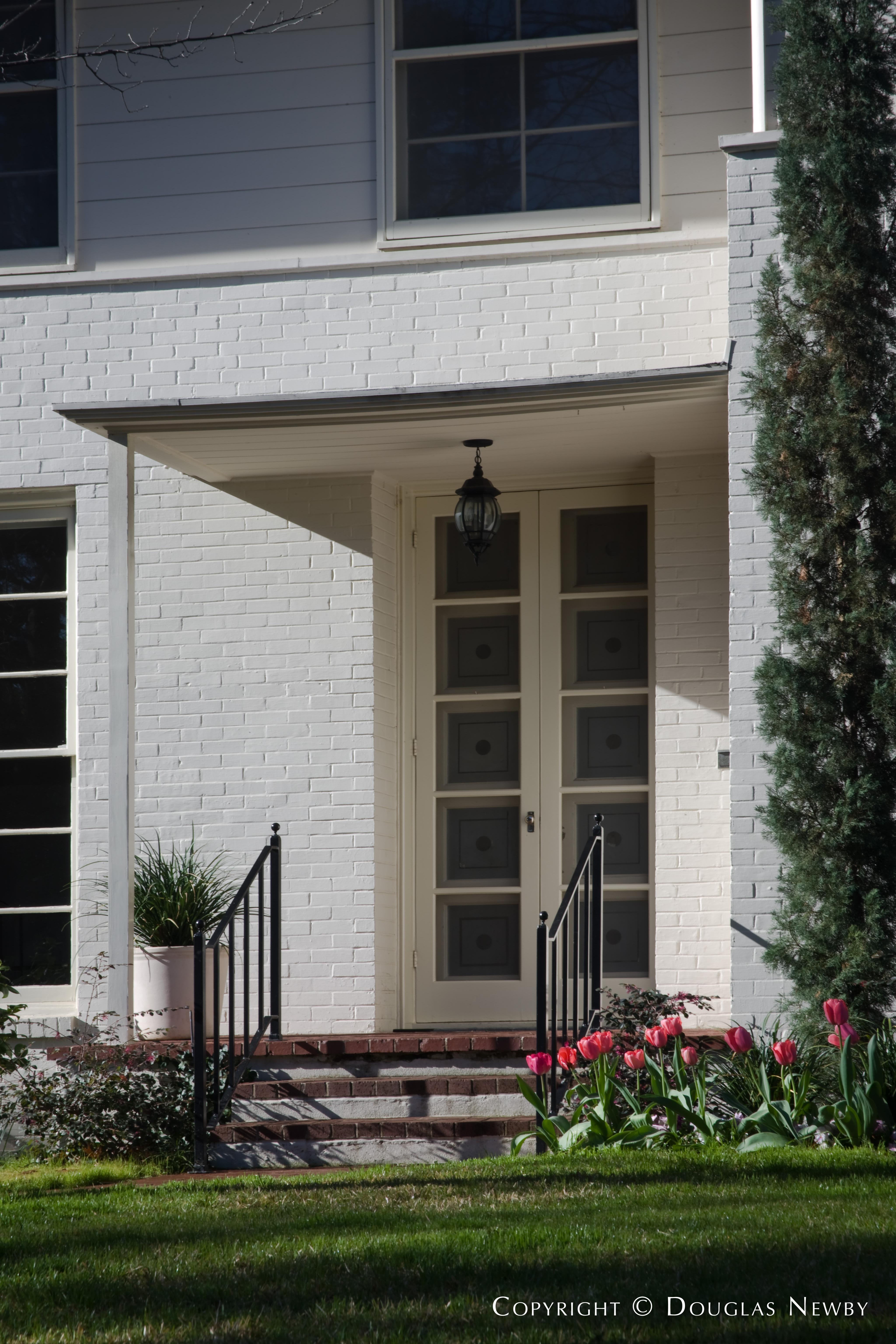 Architect O'Neil Ford Designed Texas Modern Home in Turtle Creek Corridor