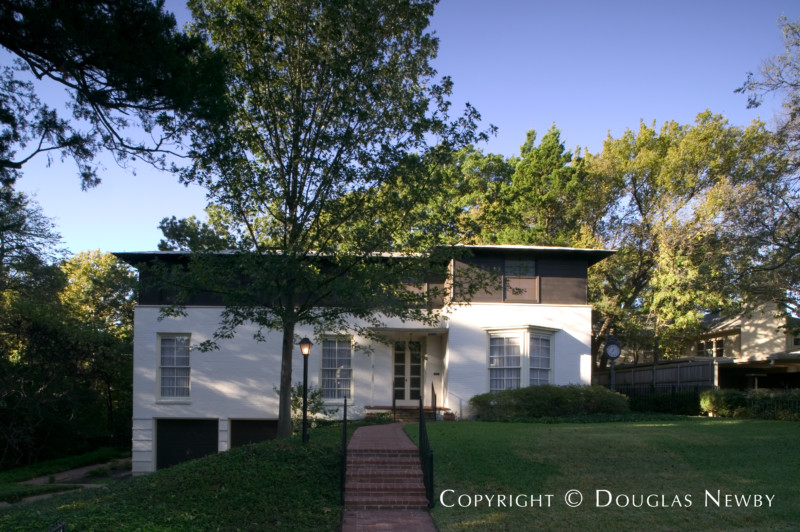 Texas Modern Home in Turtle Creek Corridor