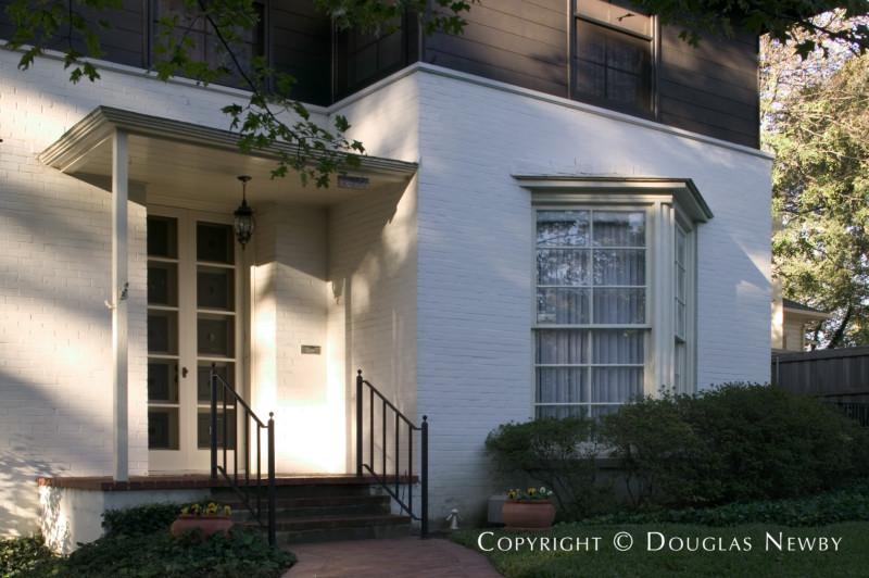 Architect O'Neil Ford Designed Home in Turtle Creek Corridor