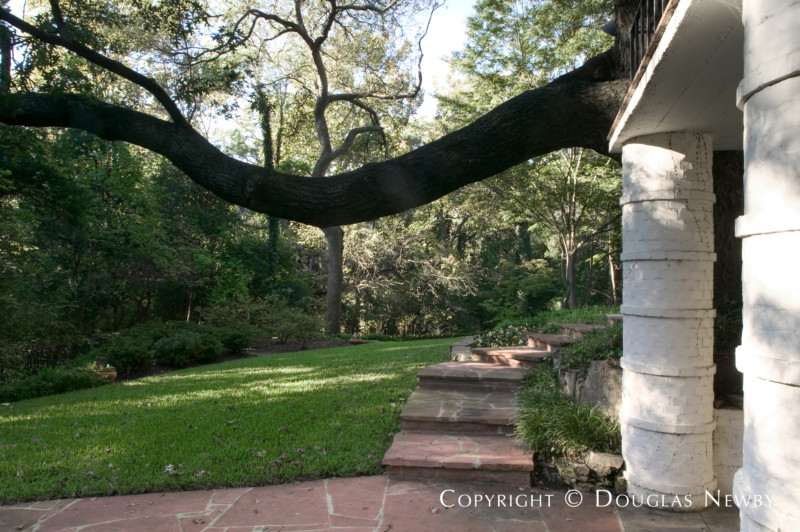 Texas Modern Real Estate in Turtle Creek Park