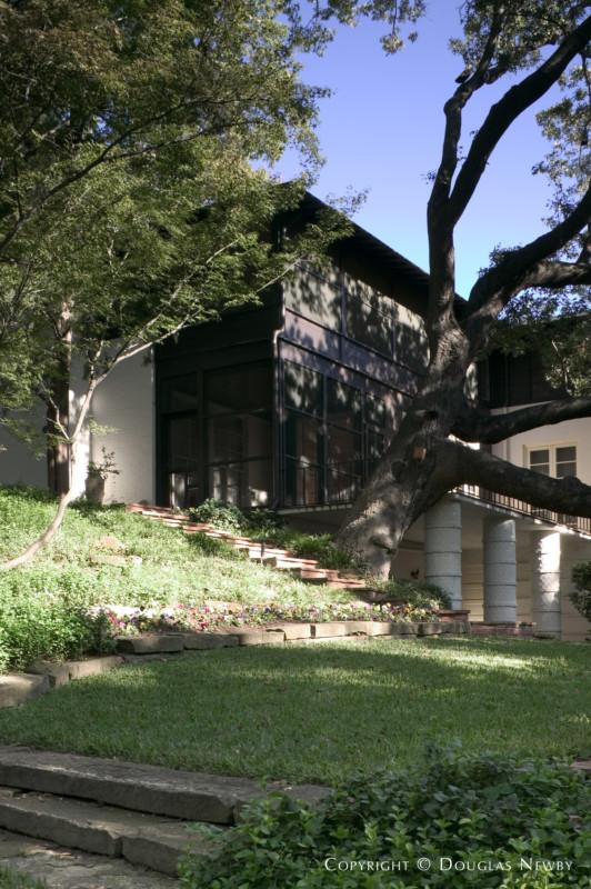 Texas Modern Turtle Creek Corridor Real Estate