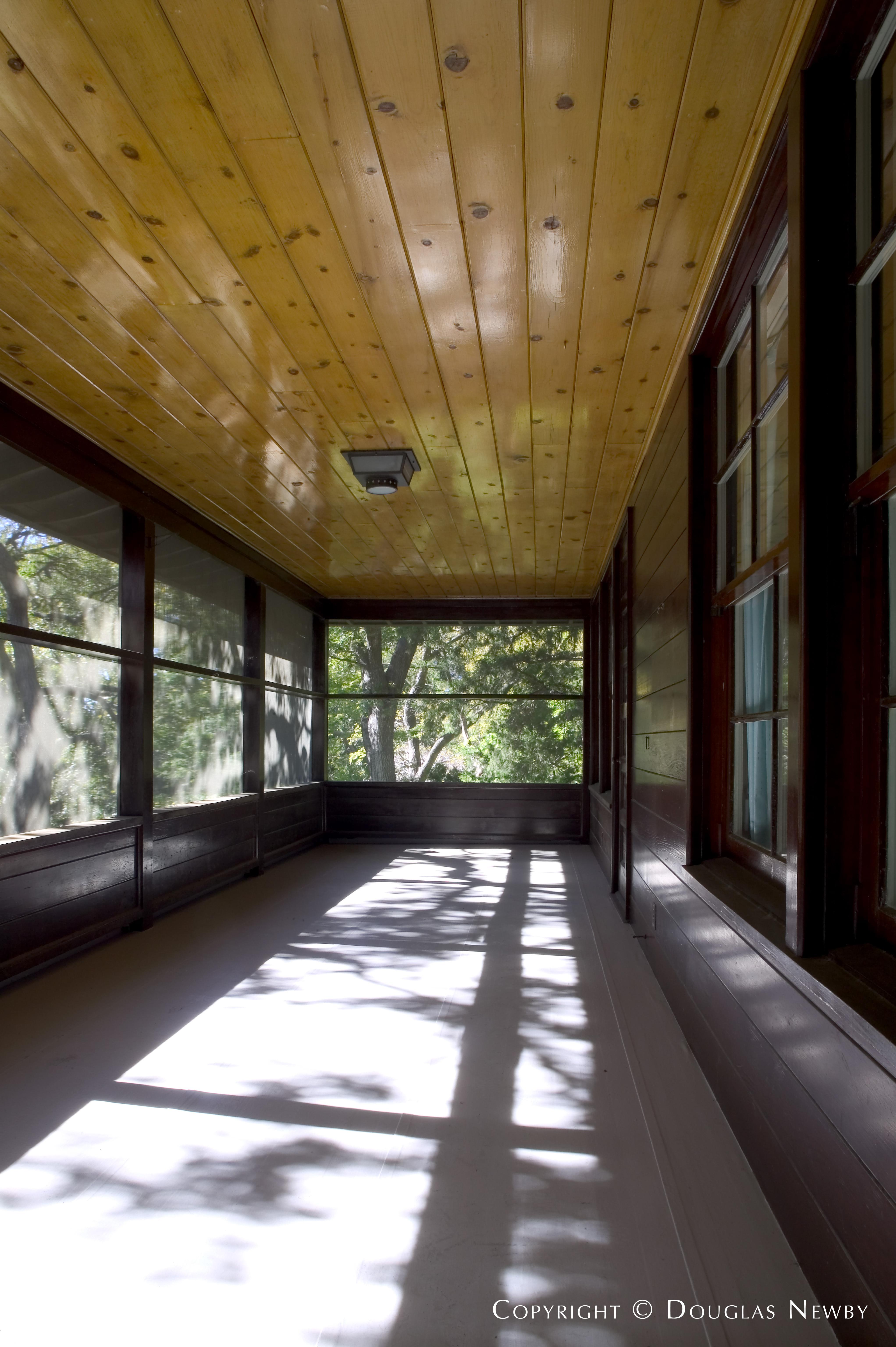 Turtle Creek Corridor Modern Home sitting on 0.633 Acres