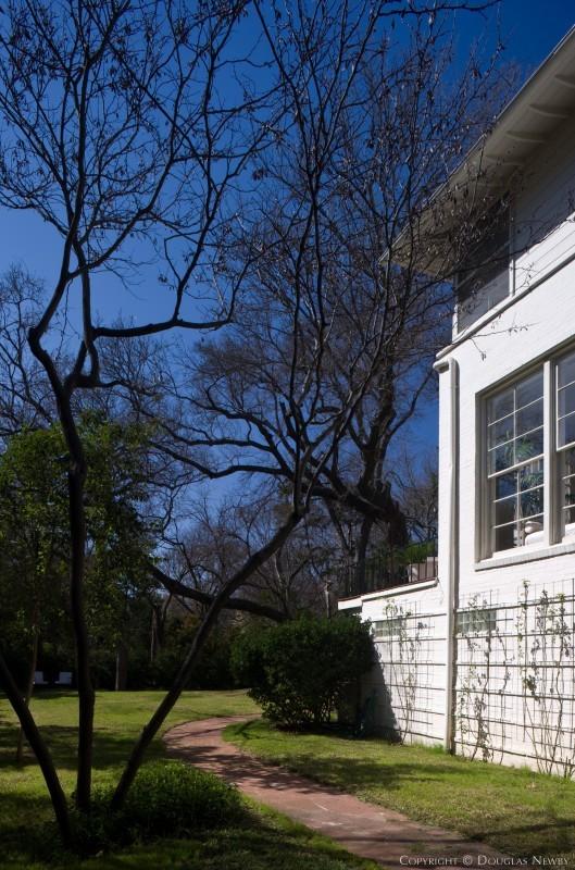 Modern Home in Turtle Creek Park