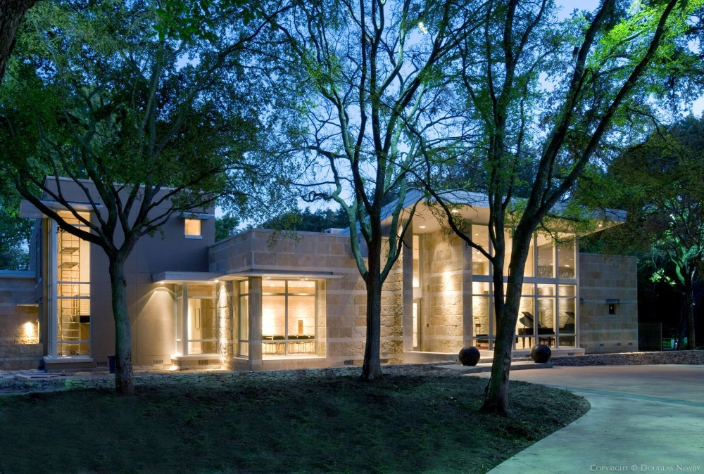 Bluffview Modern Home Reflecting Indigenous Texas Architecture