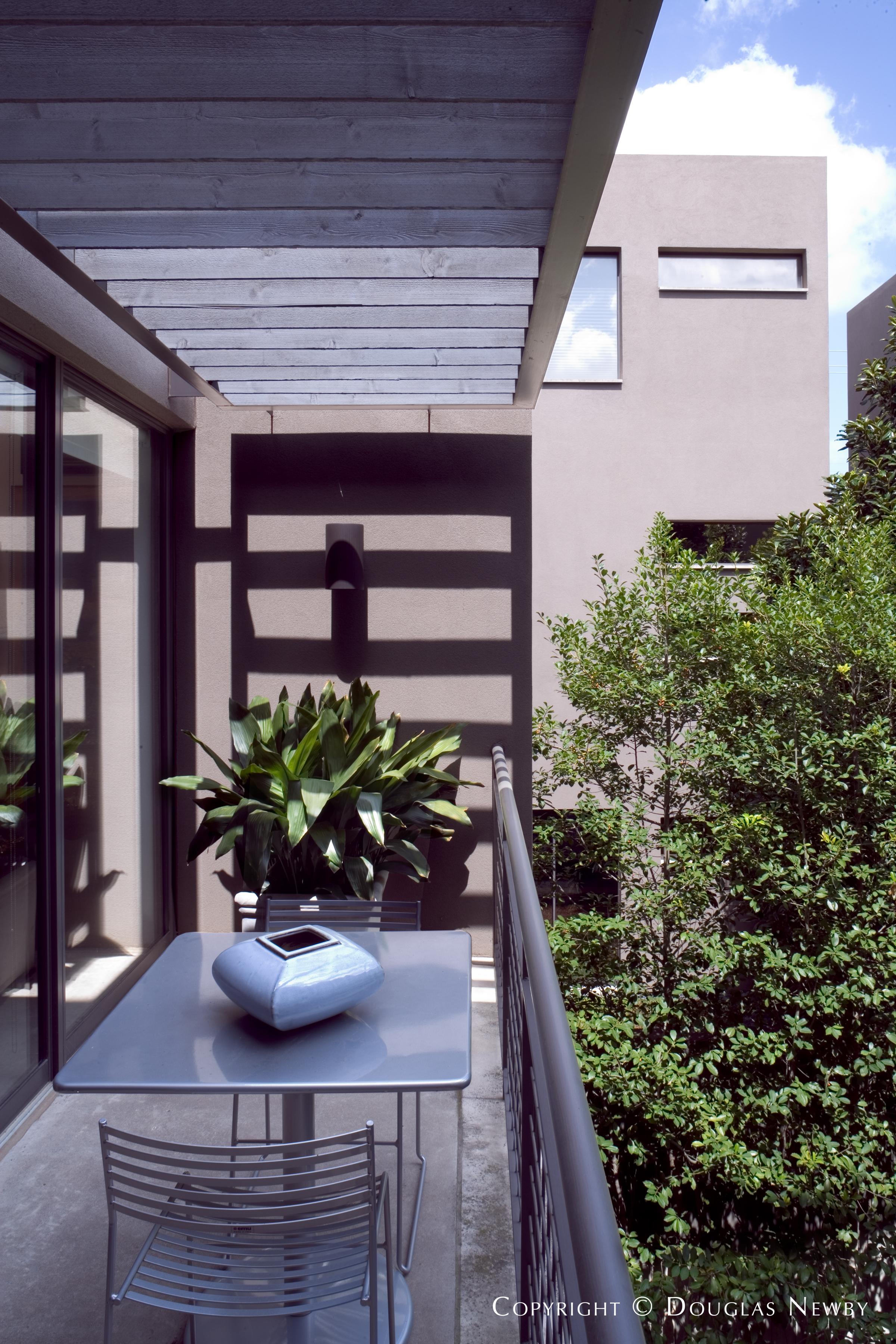 Modern Home in Knox to Blackburn