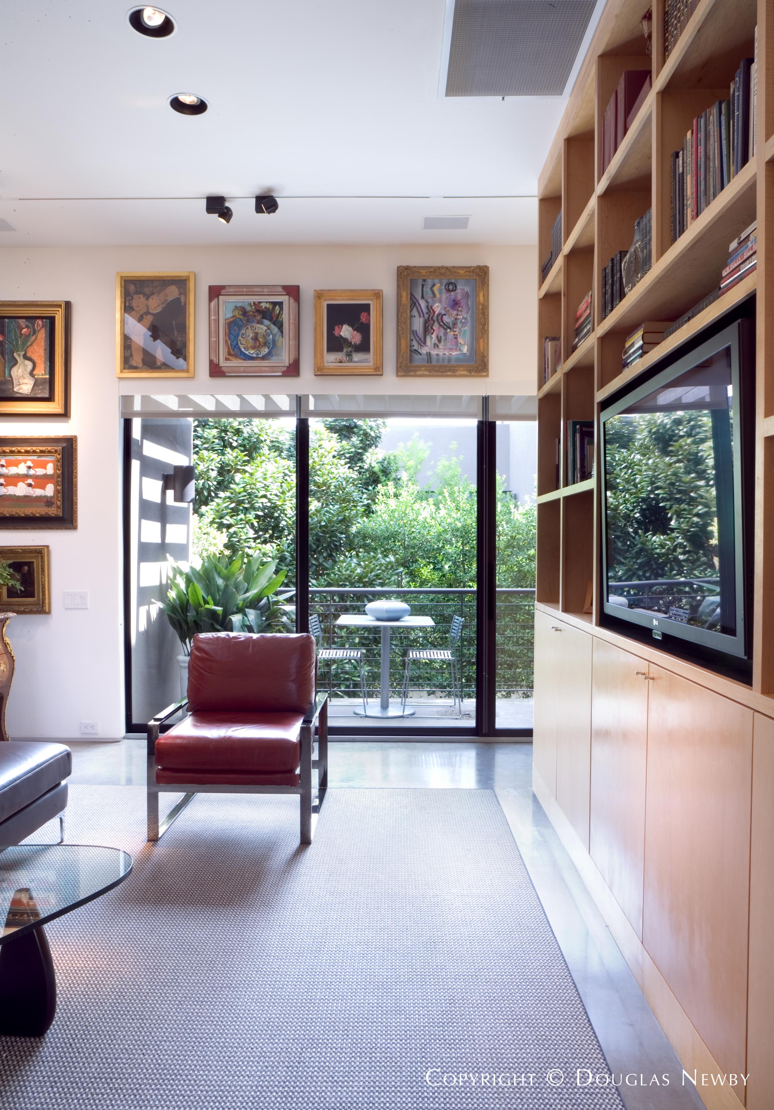 Modern Real Estate in Turtle Creek Corridor