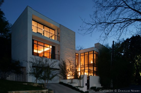 Modern House Designed by Architect Wilson & Associates - 3818 Turtle Creek Drive