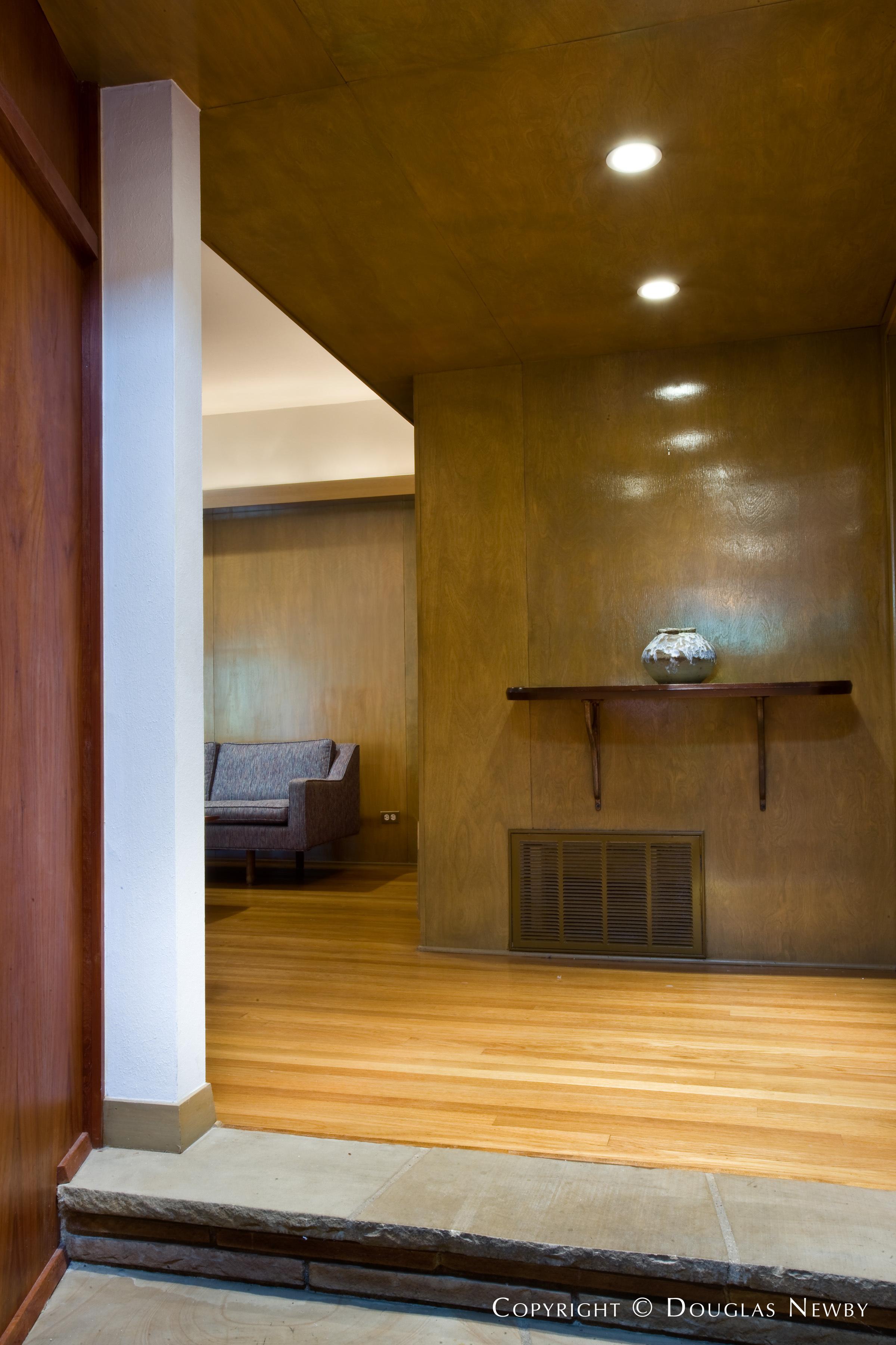 University Park Mid-Century Modern Real Estate on 0.258 Acres