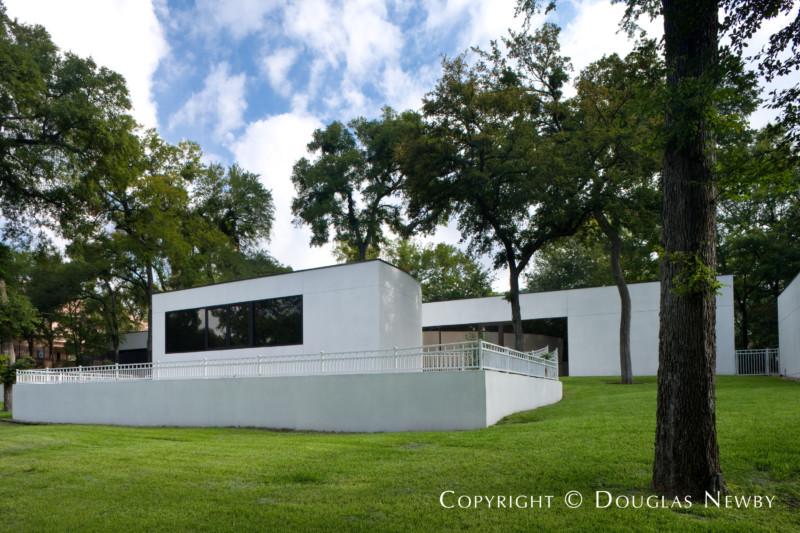 Bent Tree Modern Home