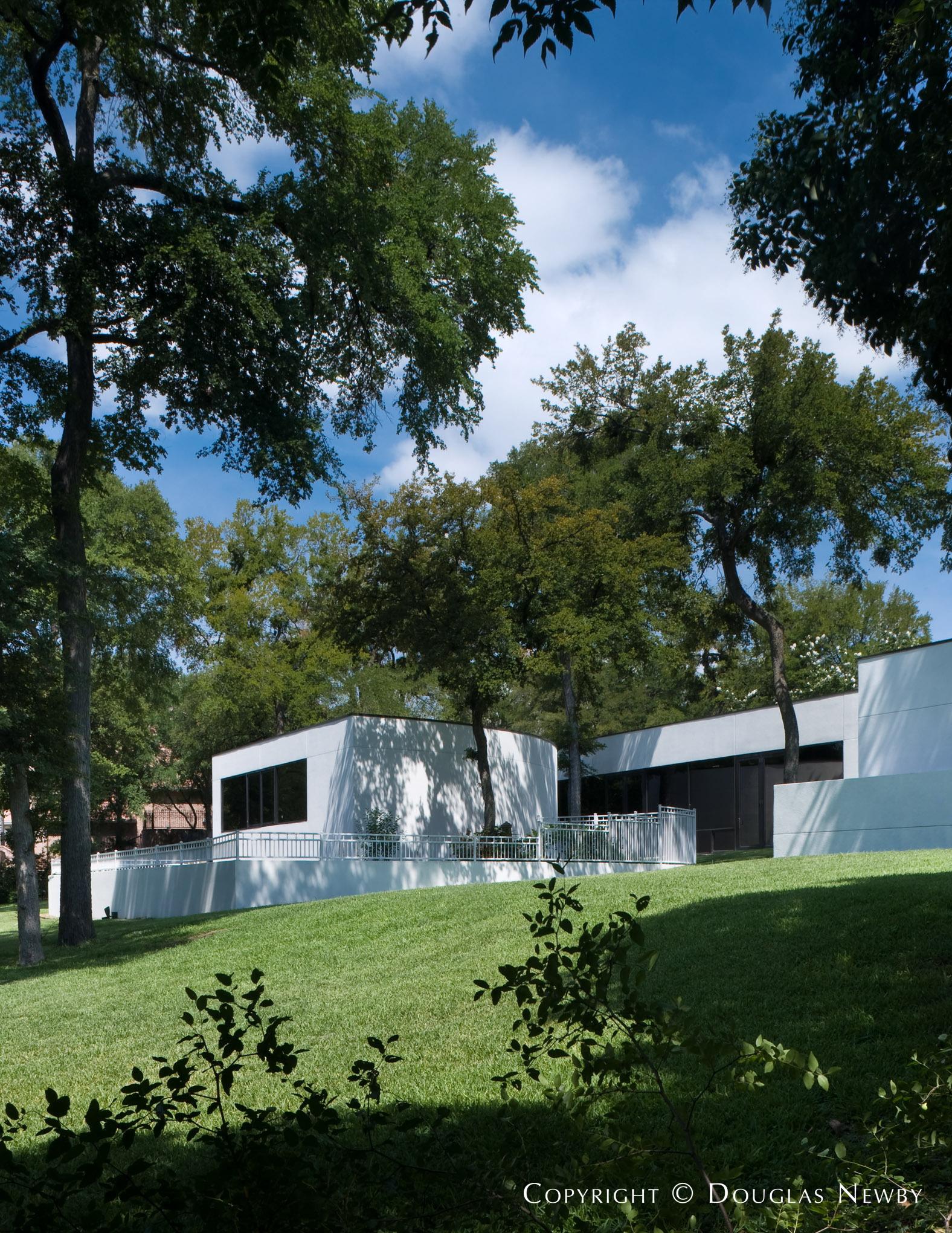 Modern Real Estate in Bent Tree