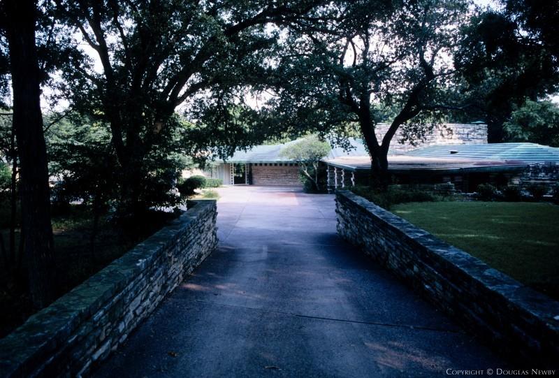 Frank Lloyd Wright Designed Home in Sunnybrook Estates