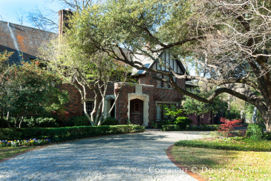 Property in Preston Hollow Neighborhood - 5272 Ravine Drive, Dallas, Texas