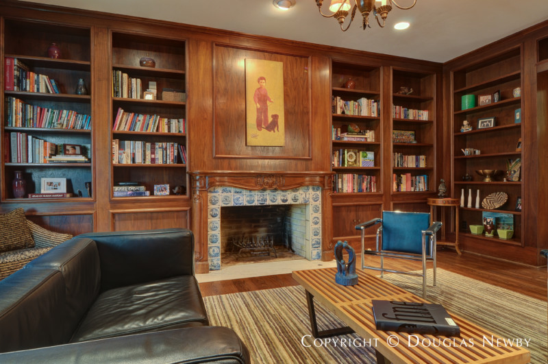 Formal Library Off Living Room · «