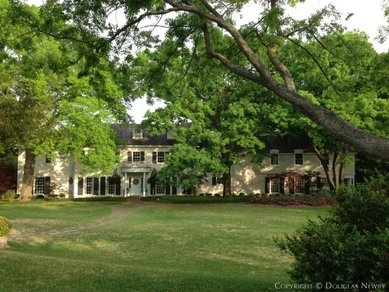 Traditional Lakewood Home - 4 Nonesuch Road, Dallas, Texas